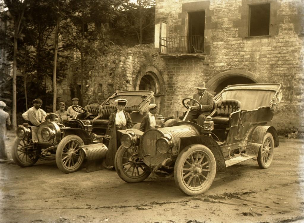 Ramon Casas amb el seu Delaunay Belleville 28 HP. Arxiu Família Codina