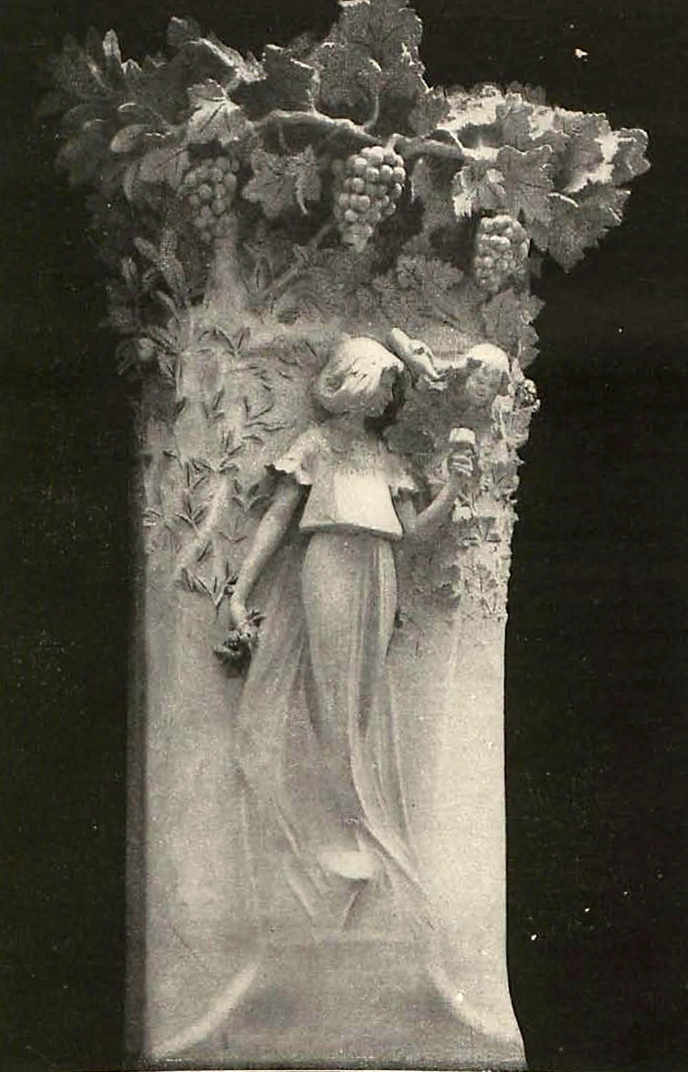 Masana y Buzzi. Alegoría a la vid. Escultura en piedra – Fachada del Café Torino