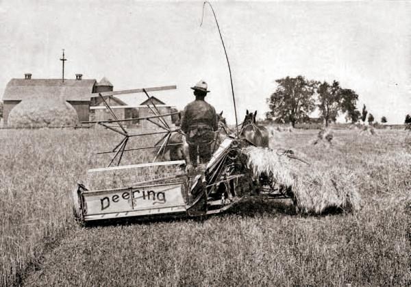 Fotografía promocional de la marca International Harvesting McCormick-Deering de equipamiento agrícola.